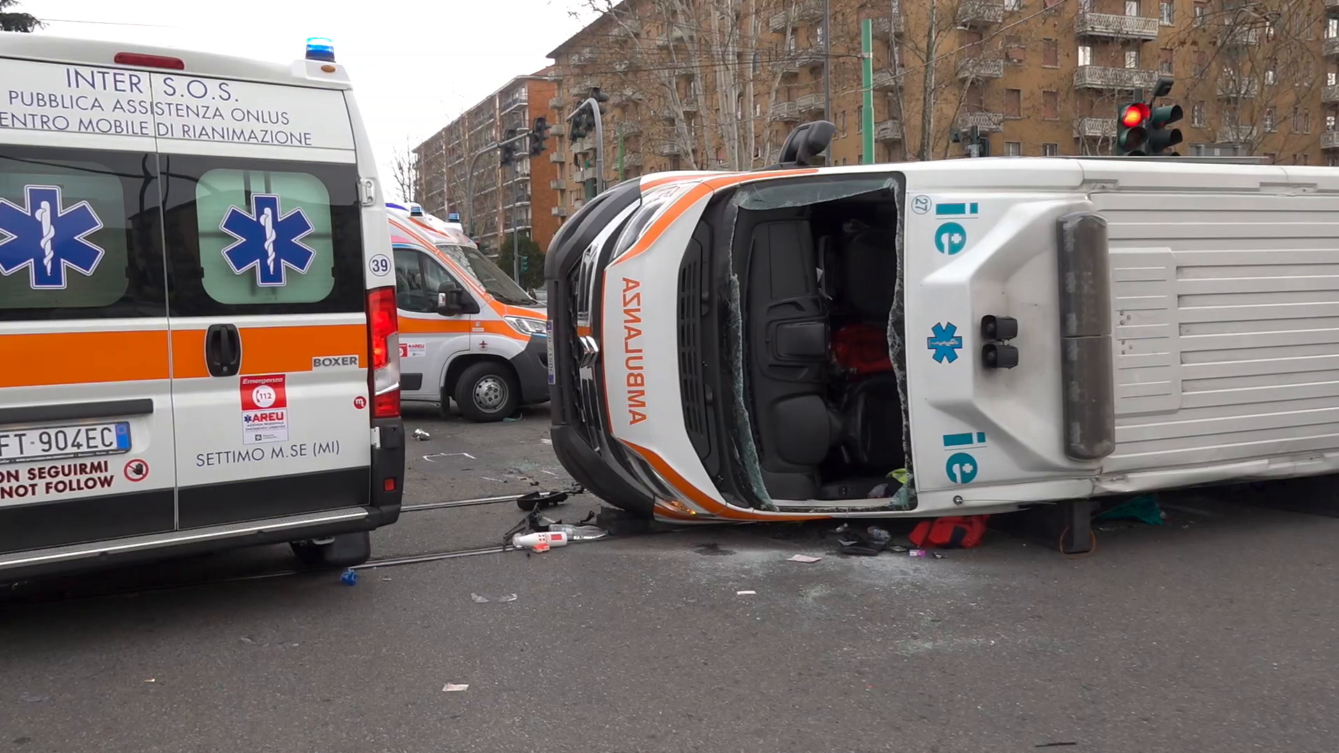 66aec5e770 Milano, si ribalta ambulanza: incidente in viale Fulvio Testi - Local Team